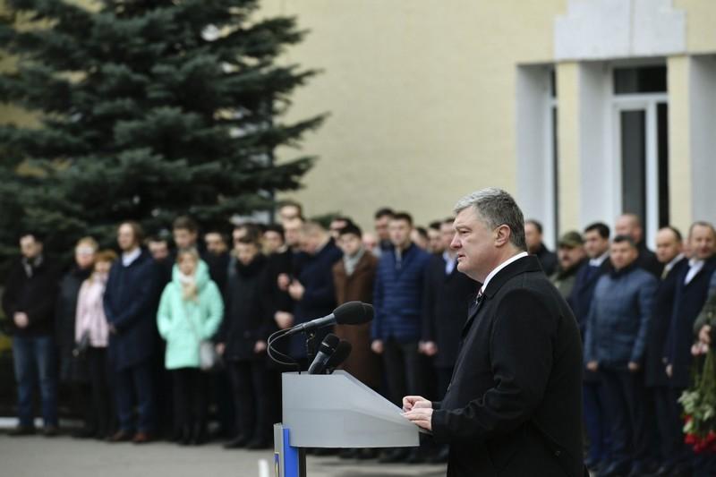 Добровольчий рух став основою і рушійною силою нового українського війська – Президент привітав добровольців