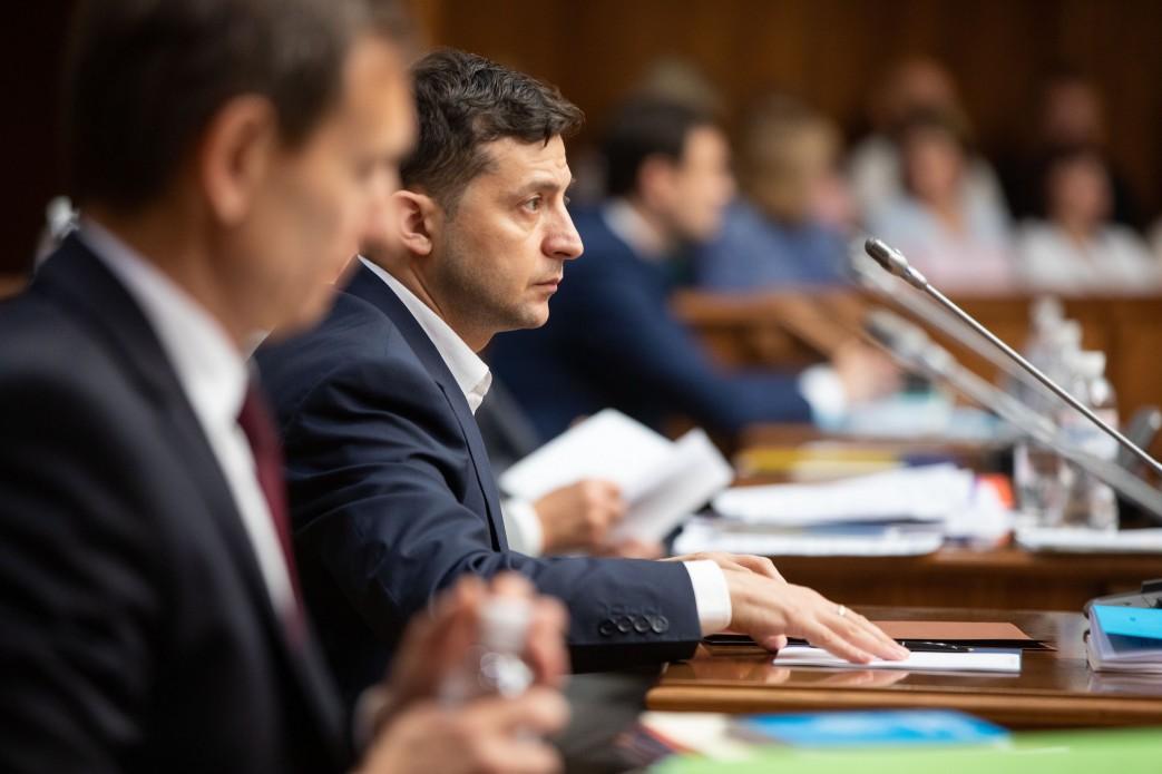 Володимир Зеленський закликав Конституційний Суд ухвалити рішення, за яке не буде соромно перед українцями