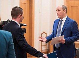 «Співпраця з НАТО є взаємовигідною як для НАТО, так і для України, тому що українська армія з кожним місяцем, з кожним днем стає все сильнішою», - Андрій Парубій
